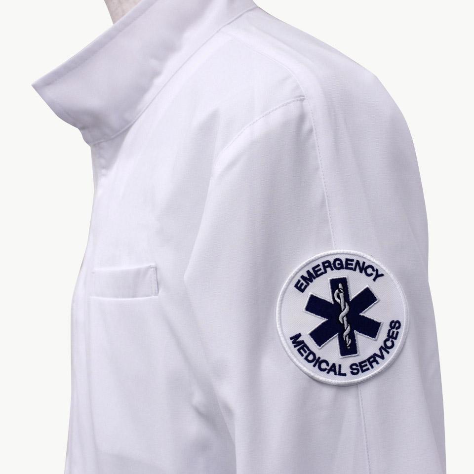 ドクターコートの袖に