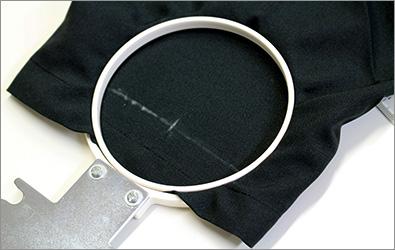袖の刺繍枠